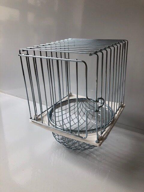 metal wire nest pan holder with door